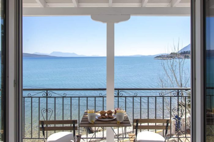 ligiabay-apartment-seven-second-floor-lefkada-greece-private-balcony-endless-ionian-sea-view-endless-blue