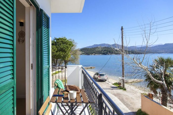 ligiabay-modern-seafront-apartment5-ligia-lefkada-greece-private-balcony-endlsess-view-seaviews_1