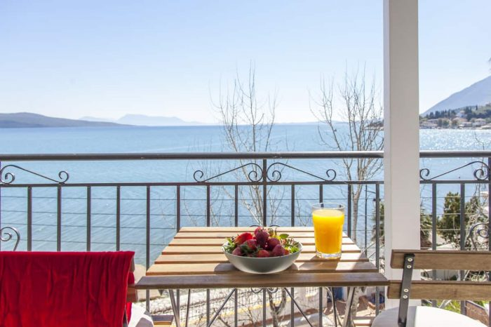 ligiabay-seafront-apartment-six-private-balcony-outdoor-table-breakfast-endless-view-panoramic-seaview